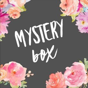 NWT RESELL MYSTER BOX 5 ITEMS